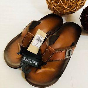 Wilson's Leather men's flip flop w/ bottle opener